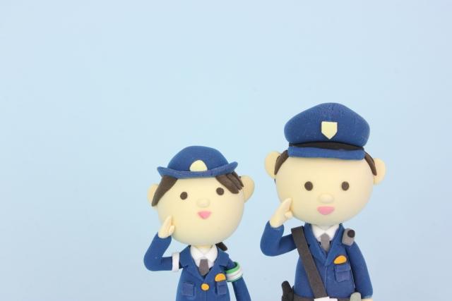 警官の人形