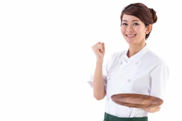 アルバイトをする女性